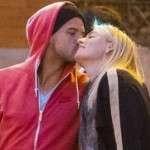 Maria Sharapova kiss with new partner