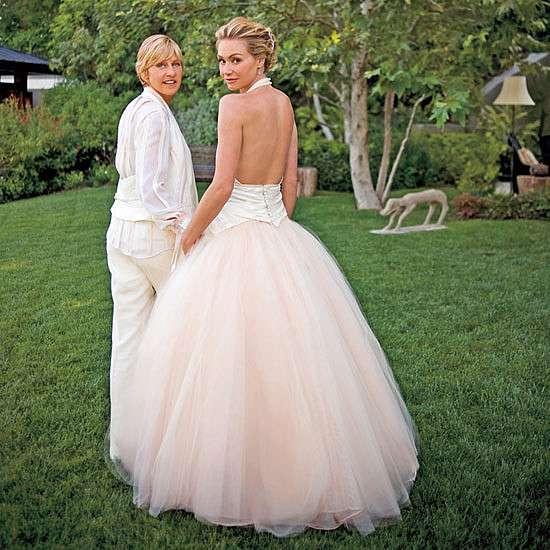 Ellen degeneres wife portia de rossi 2017 married story for Ellen degeneres and portia de rossi story