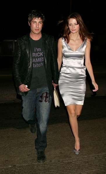 Mischa Barton Dating 2... Mischa Barton Married