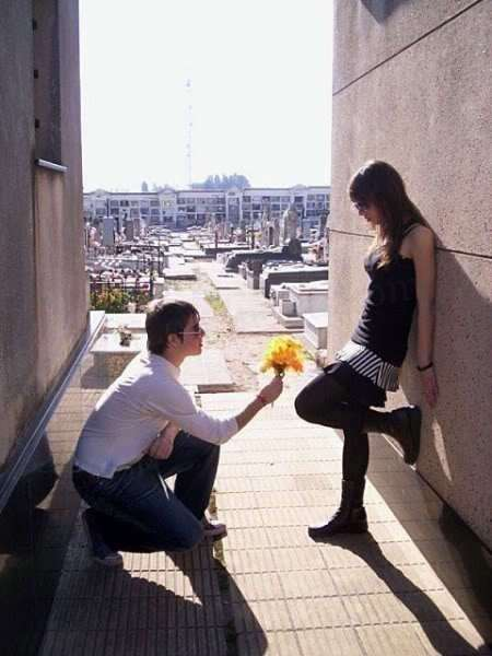 boy propose girl picture
