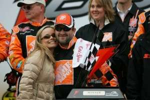 Who is Tony Stewart New Girlfriend in 2019 Tony Stewart Fiance Wife Engaged to Married