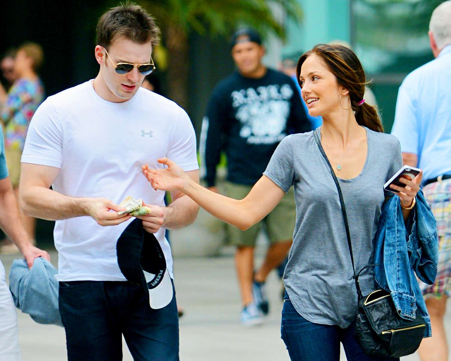 chris evans and minka kelly 2015