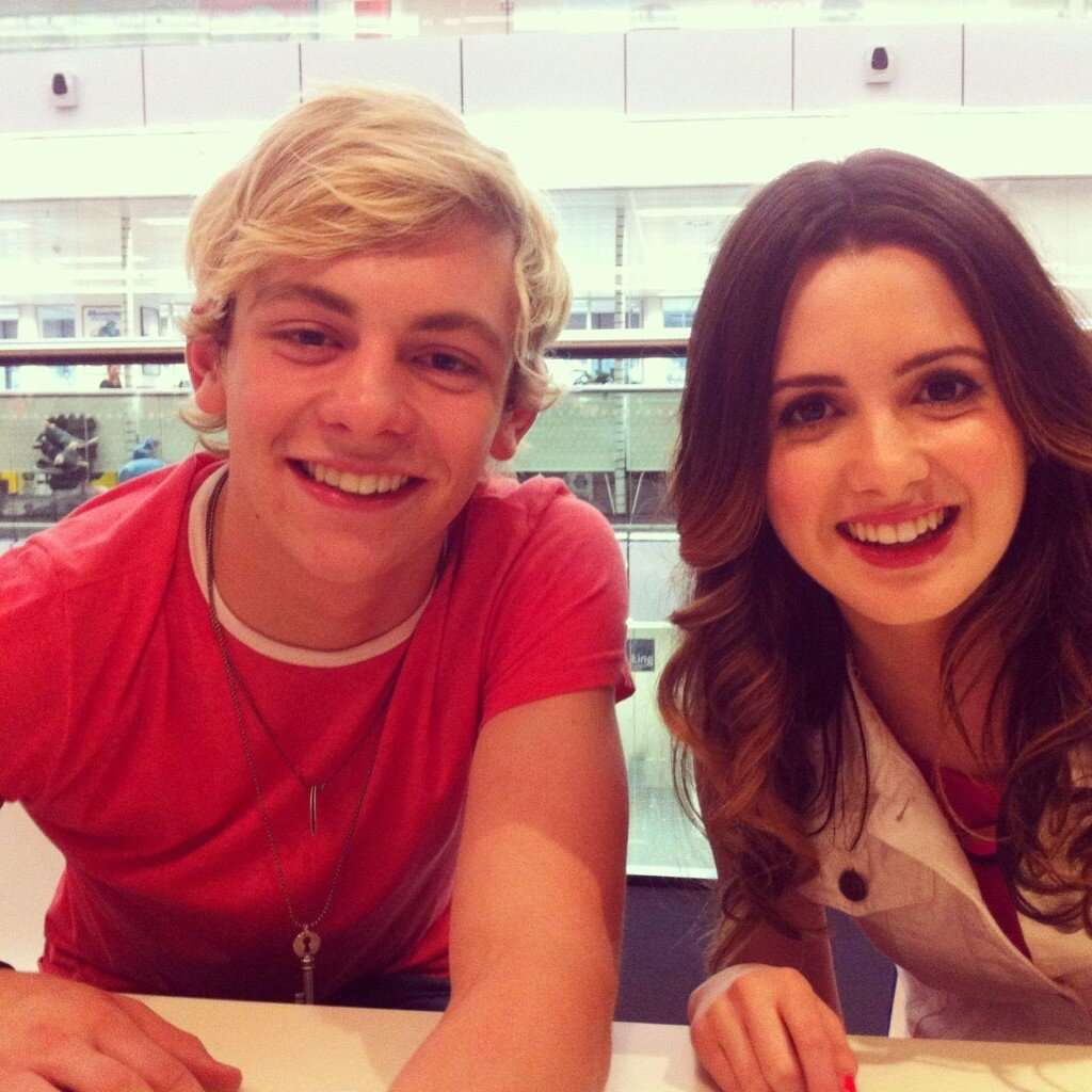 Is austin and ally dating in real life