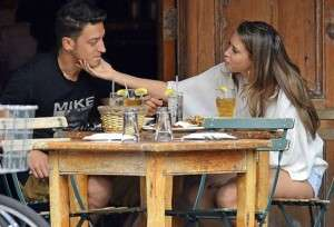 Who is Dating Mandy Capristo 2015 With Boyfriend Mesut Ozil or New