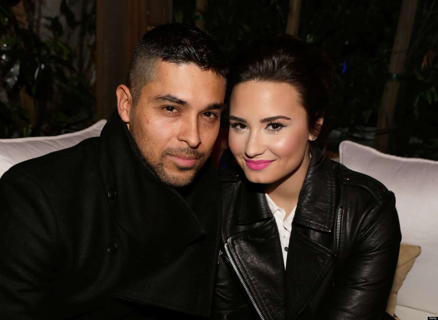 wilmer valderrama engage to girlfriend picture