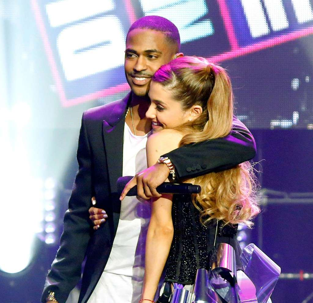 ariana grande engaged picture