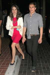 Dave Franco Girlfriend 2015 Name Is he Engaged to Married Alison Brie or Split