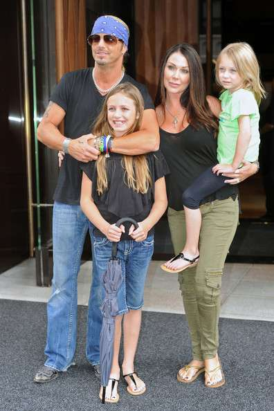 Bret with his kids
